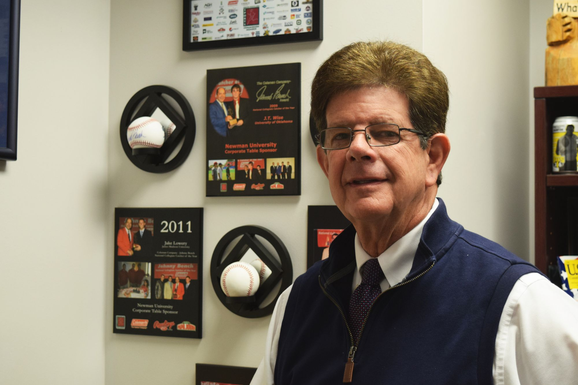 Longtime athletic director announces retirement