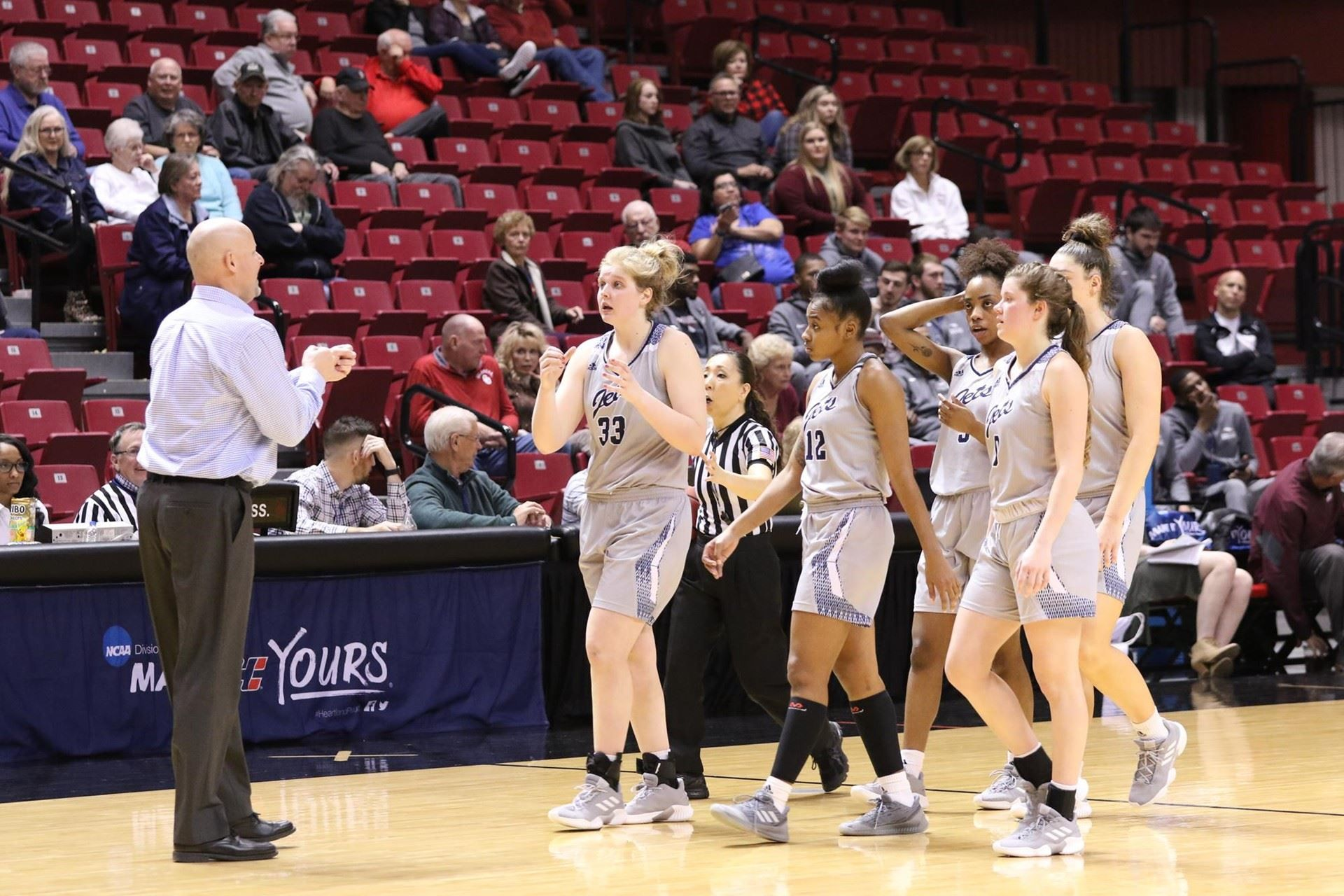 Men's, women's basketball comes to an end