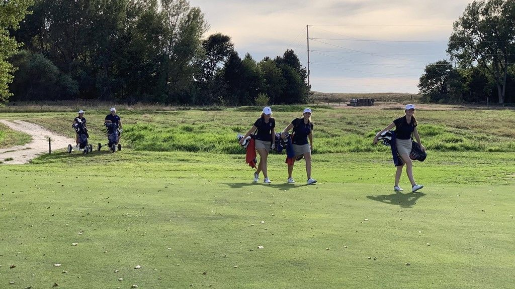 Women's golf finishes fall season, will begin to work on short game