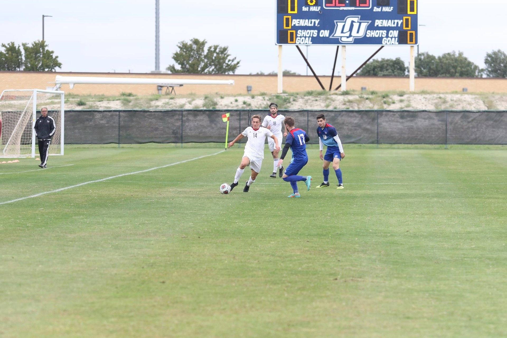 Men's soccer finishes short of qualifying for post-season tournament