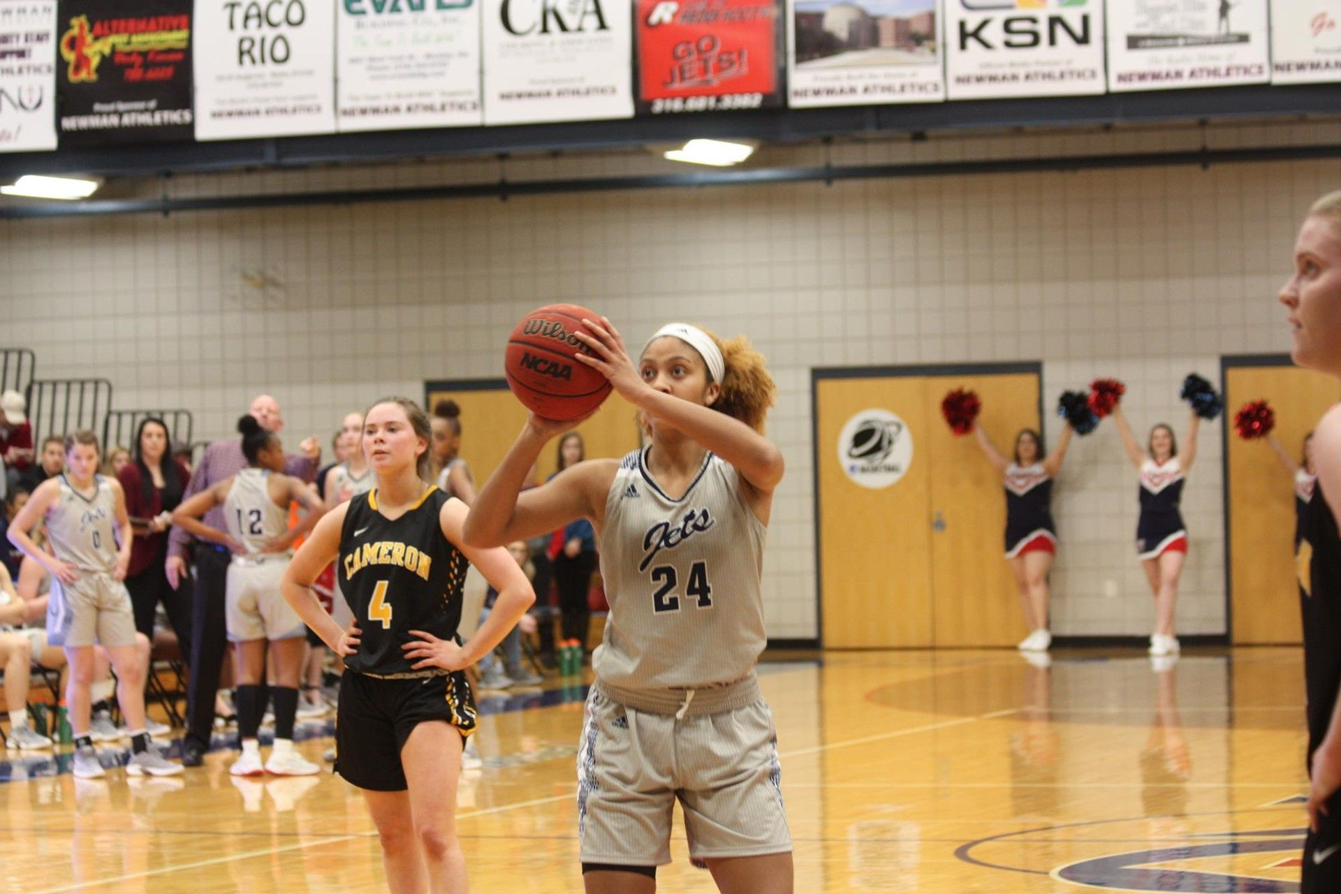 Women's basketball brings back 10 players, looks for big season