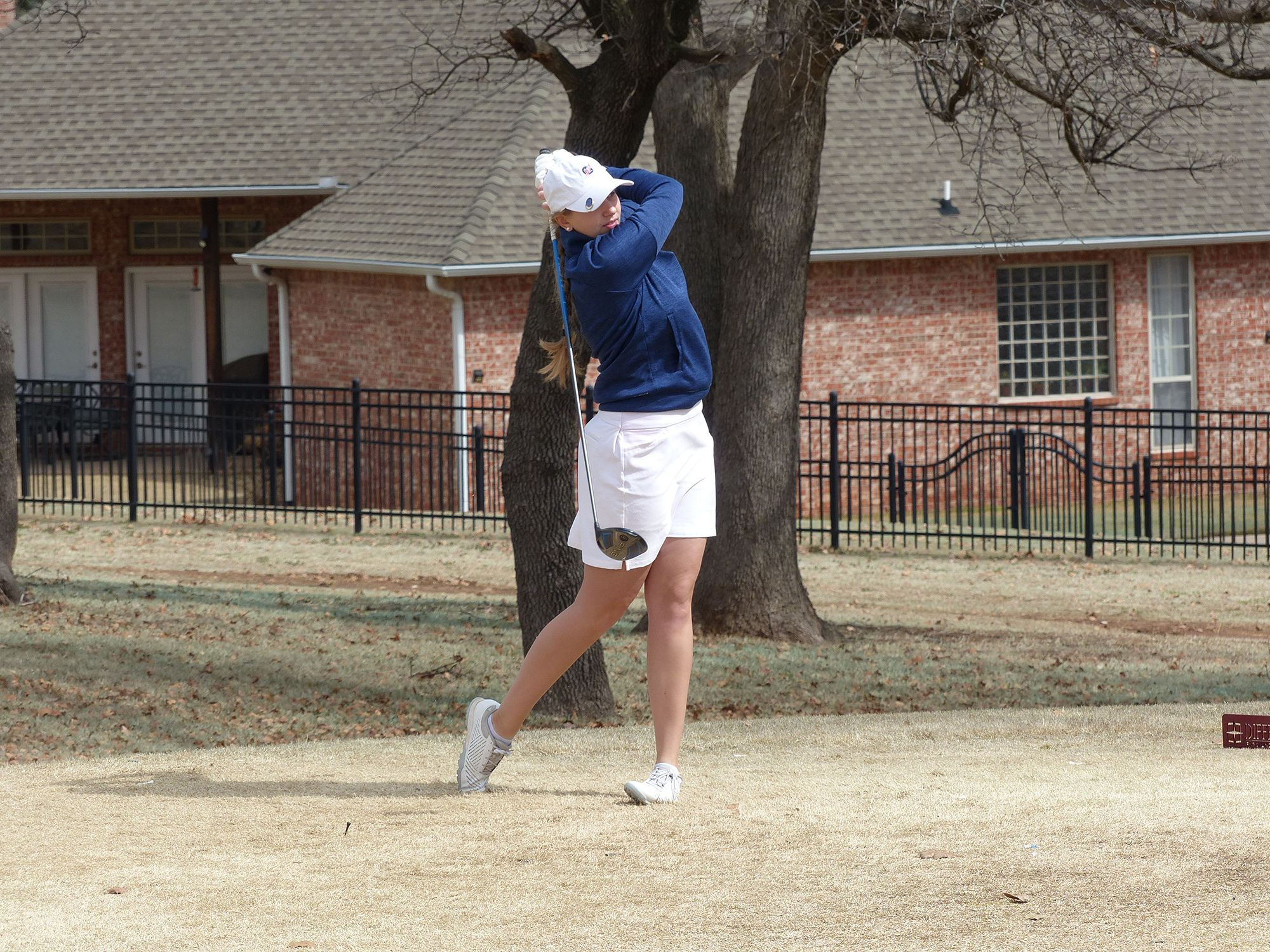 Jets' senior sets the tone in first golf tournament